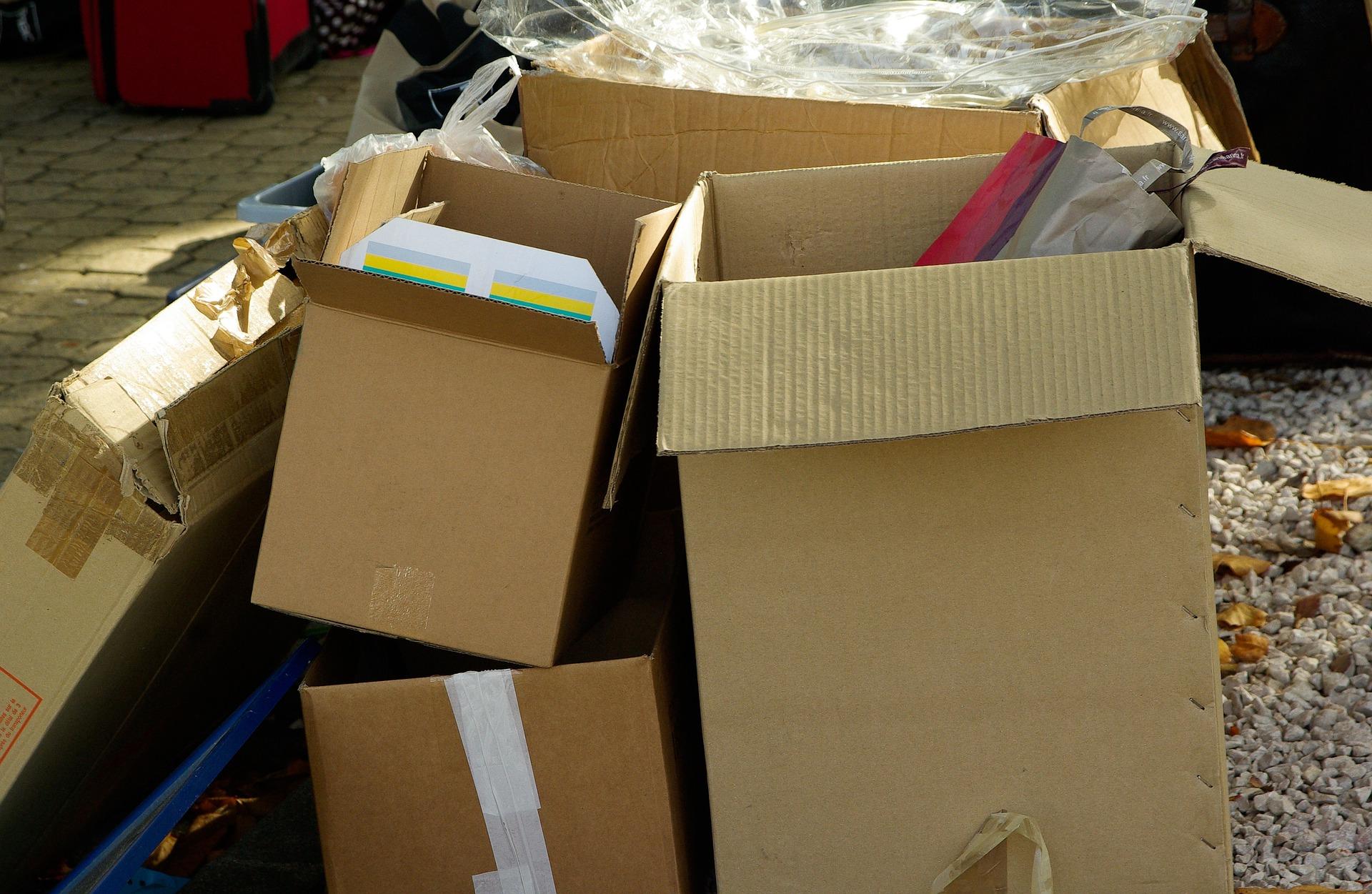 kartony, śmieci, pakowania, pudełka.