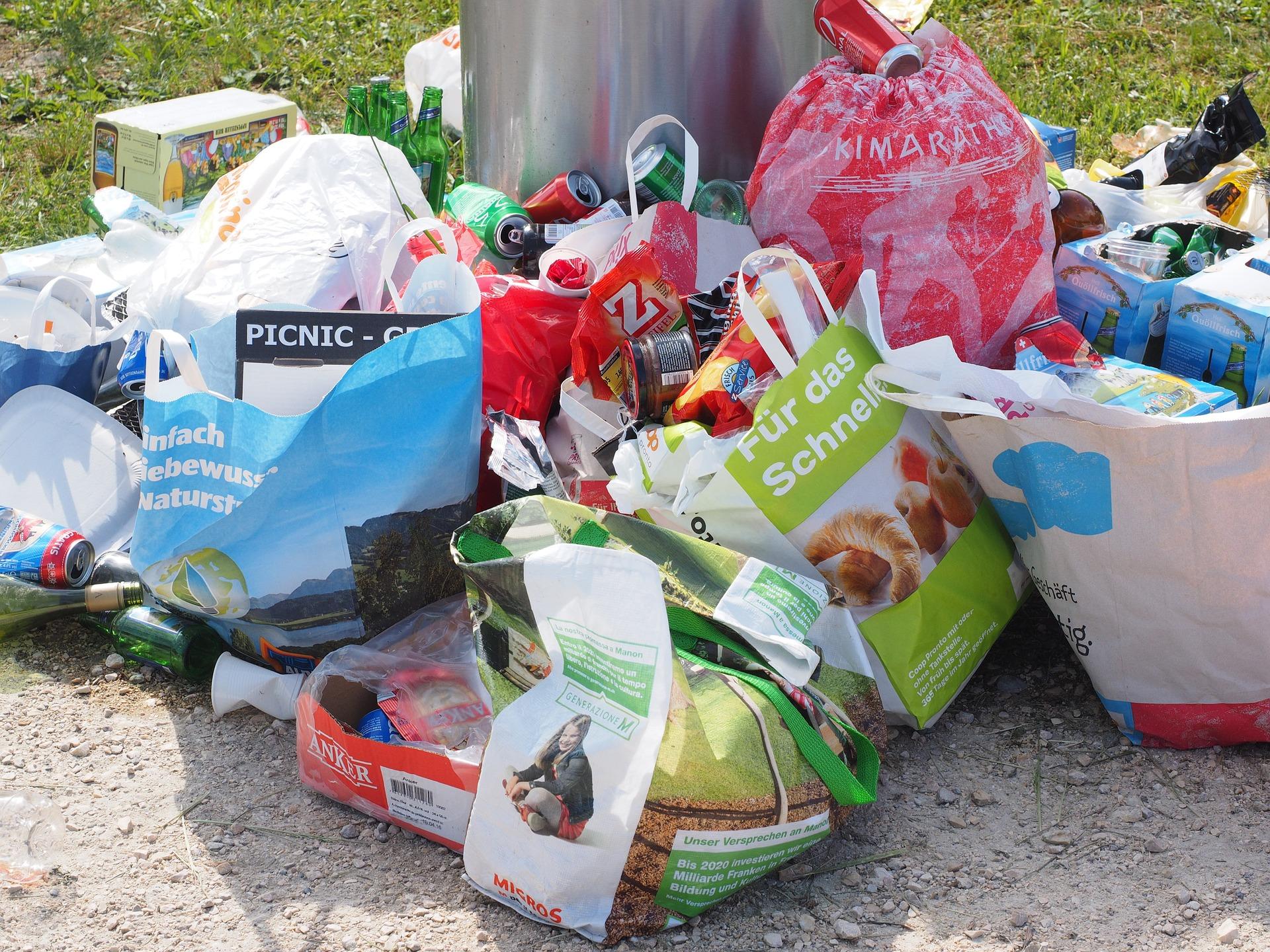 śmieci, odpady, kosz, jednorazówki, torby, opakowania
