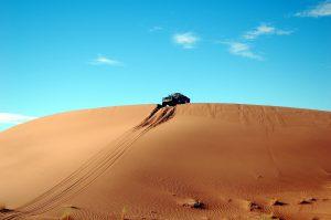 piasek, pustynia, samochód